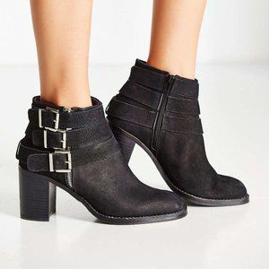 Jeffrey Campbell Rayburn Buckle Boot, Size 7.5